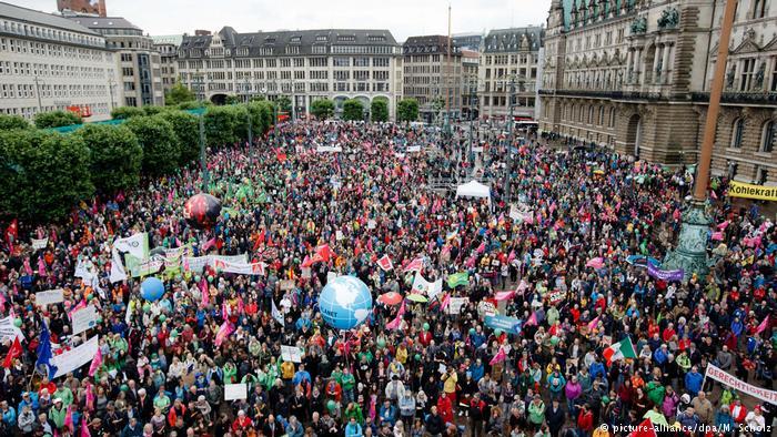 Protestwelle gegen den G20 Gipfel (picture-alliance/dpa/M. Scholz)