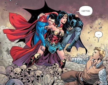 Wonder Woman tirando de DC