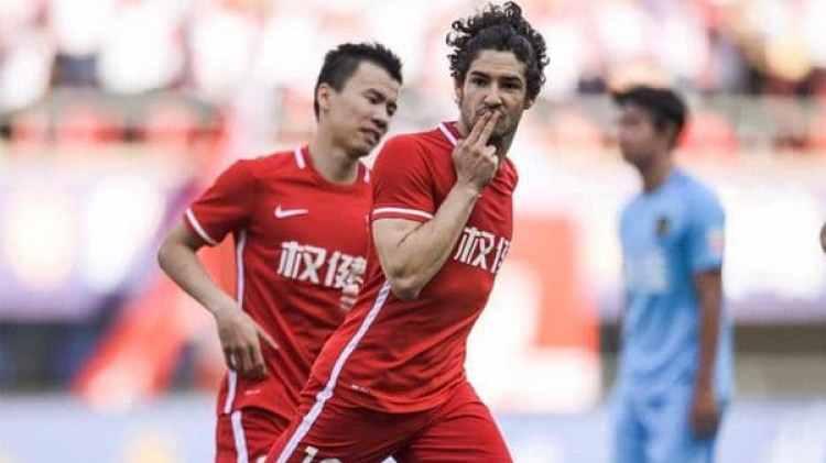 En los últimos años la Superliga China ha comprado jugadores por un precio mucho mayor al que realmente valen. Uno de los casos es el del brasileño Alexandre Pato