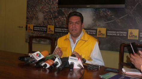 El alcalde de La Paz, Luis Revilla, en conferencia de prensa.