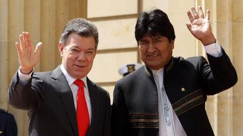 Los mandatarios de Colombia y Bolivia, Juan Manuel Santos y Evo Morales