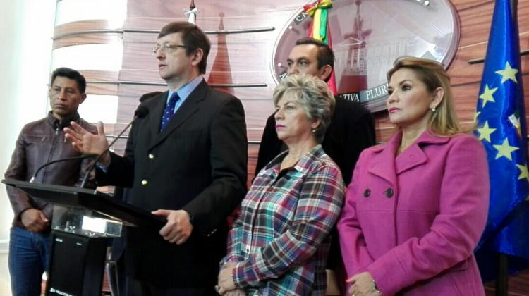Caso taladros: Senador Ortiz protesta porque no se quiera procesar por contratos lesivos al Estado