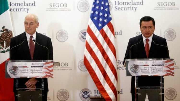 John Kelly, secretario de seguridad de EEUU, y Miguel Angel Osorio, secretario de Gobernación de México. (Reuters)