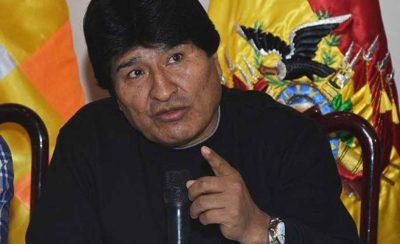 """Evo Morales convoca reunión de emergencia por caso de carabineros y lamenta """"trasgresión de nuestra frontera"""""""