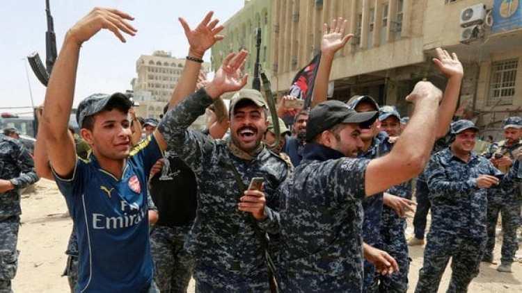 Fuerzas iraquíes celebran en la Ciudad Vieja de Mosul (Reuters)
