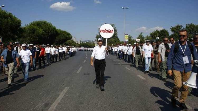 Los manifestantes culminará frente a la prisión donde fue encarcelado el opositor Berberoglu (Reuters)