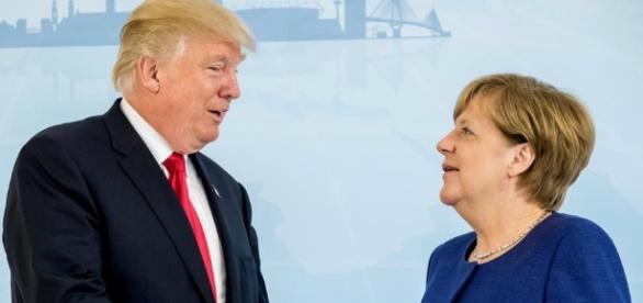 El presidente norteamericano Donald Trump junto a la canciller alemana Angela Merkel durante la Cumbre del G-20 en Hamburgo.