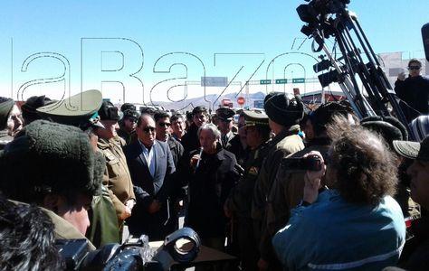 Imágenes destacadas del acto de devolución de carabineros chilenos en Tambo Quemado. Foto: Ramiro Amaru
