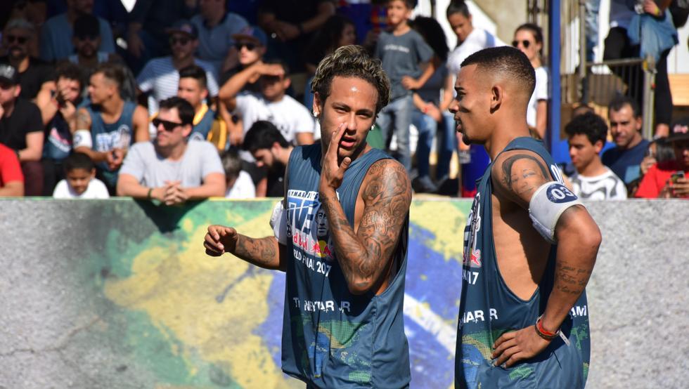 Neymar JR lo pasó en grande en el Mundialito 5X5 del Instituto Neymar Jr de Santos