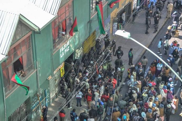 La toma de las instalaciones de FEJUVE de La Paz. Foto: Marka Registrada