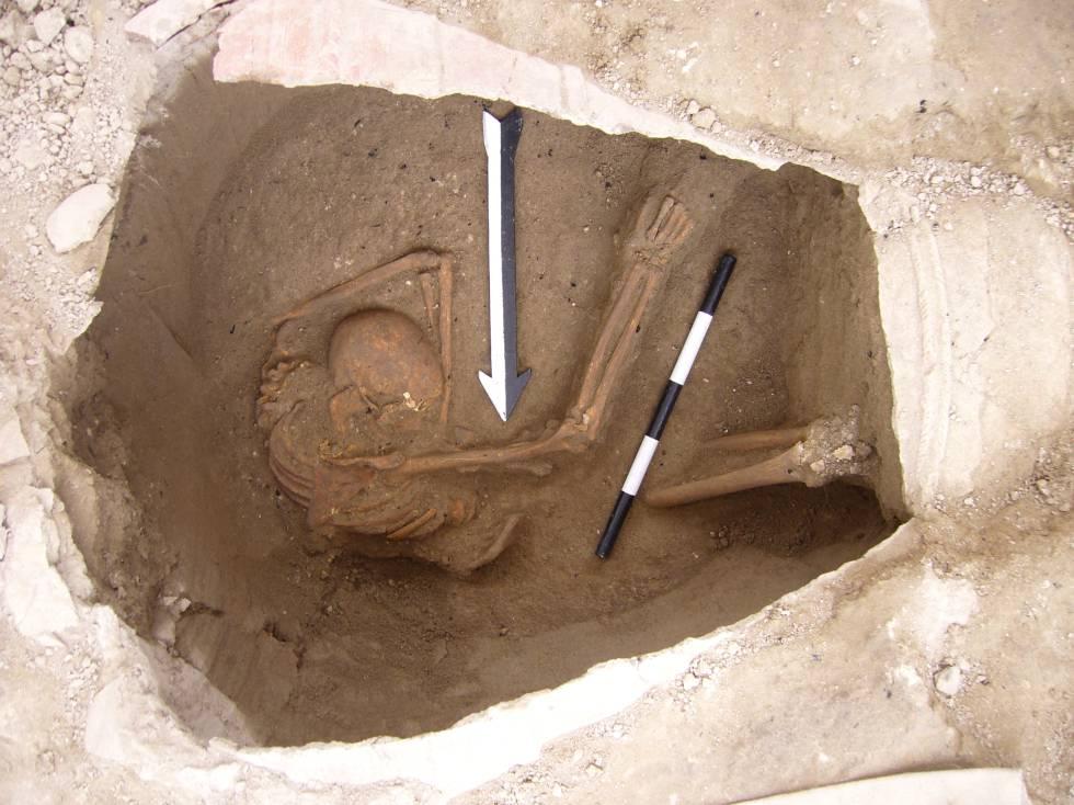 Uno de los cadáveres enterrados en la ciudad de Sidón cuyo genoma ha sido secuenciado.