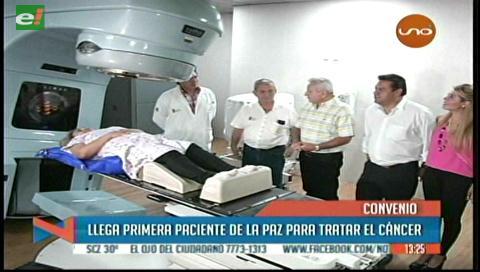 Llega la primera paciente de La Paz para tratarse en el Oncológico cruceño