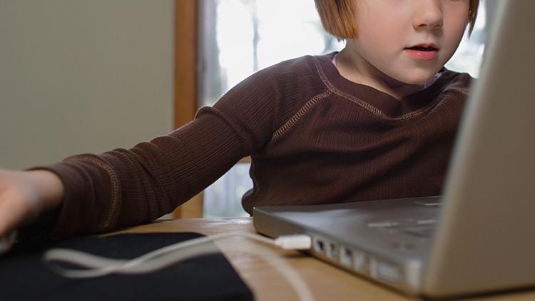 Ver pornografía en la infancia afecta la conducta de los hombres