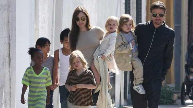 Angelina Jolie, Brad Pitt y sus niños