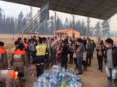 Las brigadas de emergencia trabajan desde hace días en la zona en la que se ha producido el incendio. Foto: El País de Tarija