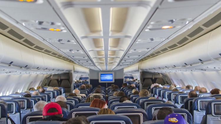 Esta es la razón por la que siempre hay que poner el aire acondicionado en el avión