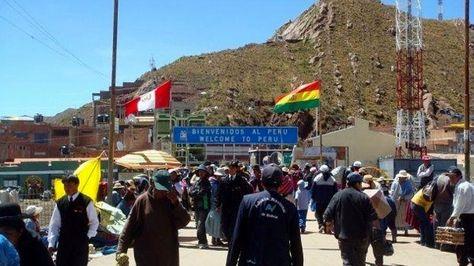El punto fronterizo entre Bolivia y Perú en Desaguadero.