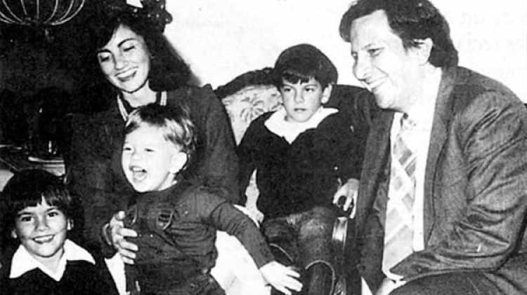 Rodrigo Lara Bonill con su familia