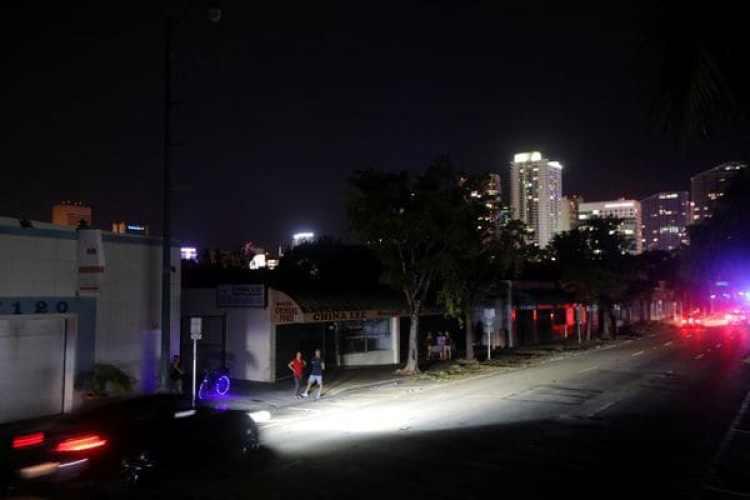 Muchas zonas de Miami quedaron sin energía (Reuters)