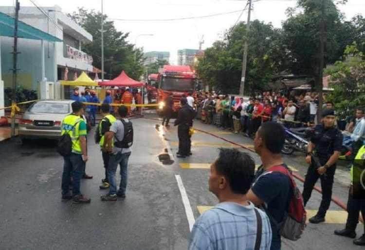 El incendio se originó en uno de los dormitorios, según el responsable. Los bomberos acudieron al lugar en apenas unos minutos, agregó la fuente.