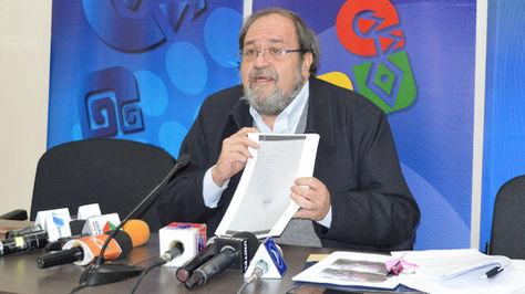 El ministro de Educación, Roberto Aguilar, habla sobre el conflicto en Achacachi