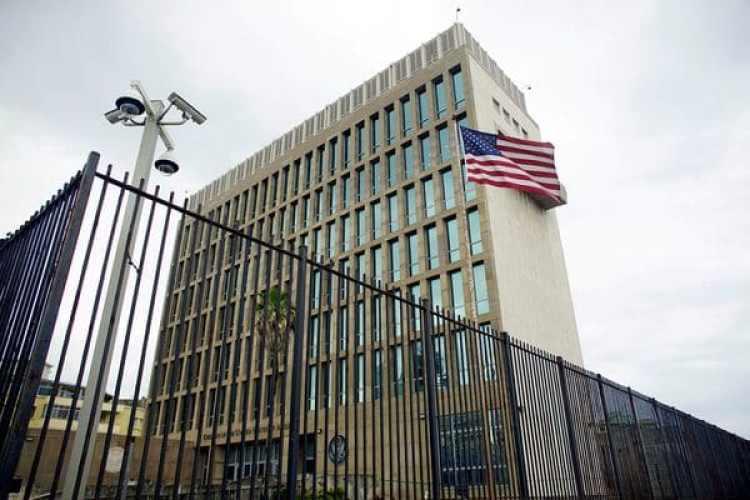 Vista externa de la sede diplomática, reabierta en julio de 2015 (Reuters)