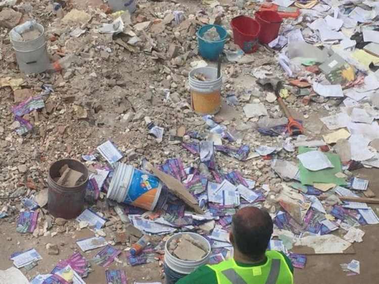 Escombros del derrumbe del colegio (Crédito Infobae)