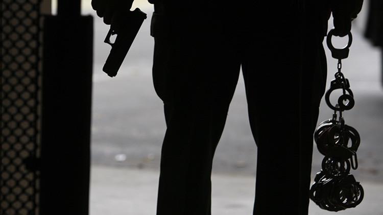 FUERTES IMÁGENES: Un policía asesina a quemarropa a un sospechoso en EE.UU.