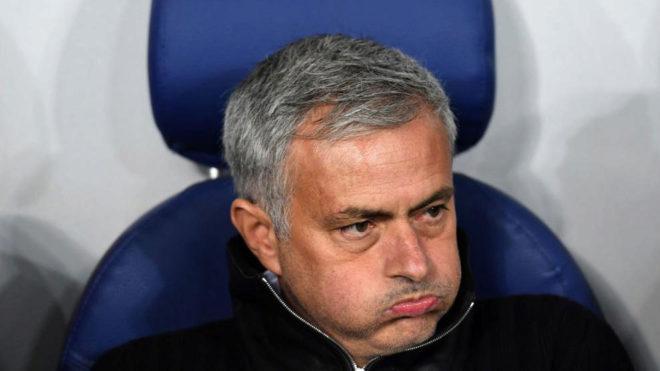 Mourinho resopla durante un partido del United.