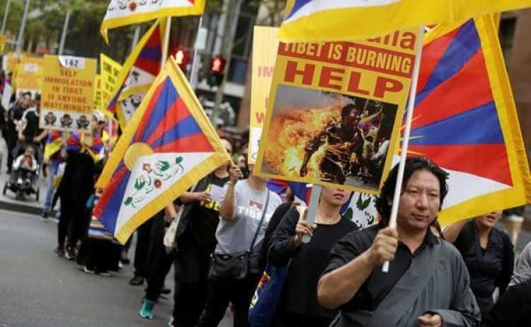 Manifestantes piden por la independencia del Tíbet (Reuters)