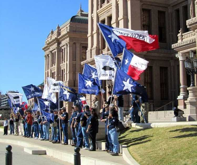 Militantes del Movimiento Nacionalista de Texas
