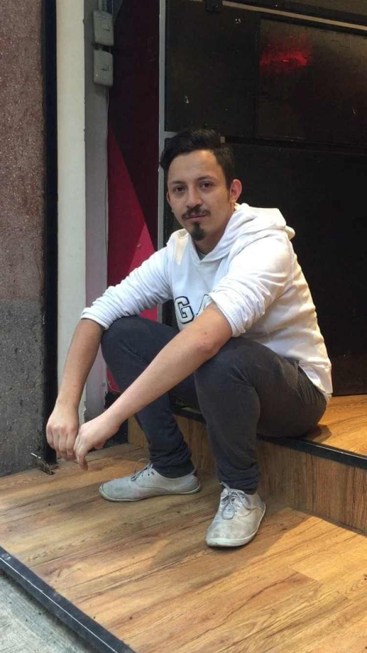 Alejandro, de Cassava Rots. Su negocio de Condesa está trabajando a un cuarto del ritmo que anteas del terremoto.