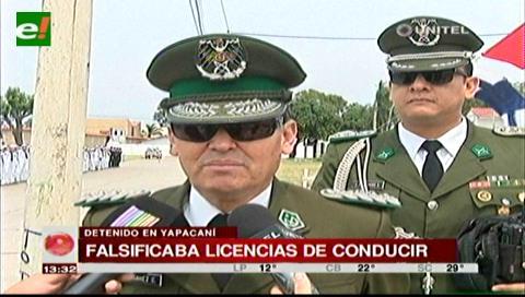 Detienen a sujeto por falsificación de licencias de conducir