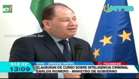 Ministro Carlos Romero presente en el acto de clausura en curso de Inteligencia Criminal