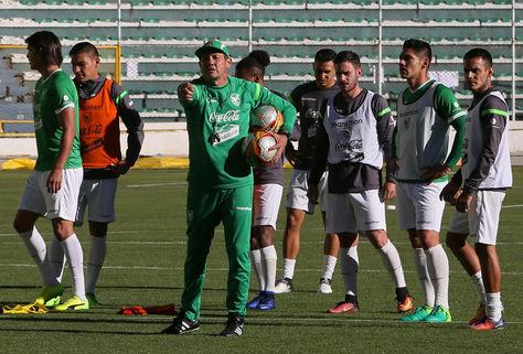 Soria durante el entrenamiento de este martes en el estadio Hernando Siles de La Paz