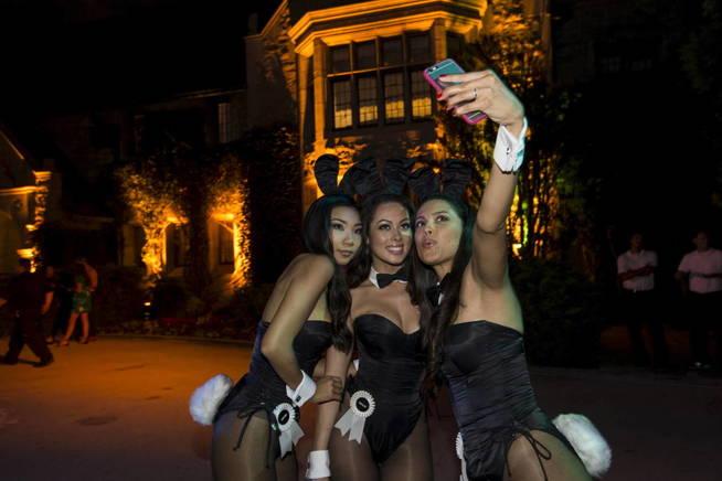 Hefner controlaba las redes sociales de las conejitas que vivían en su mansión. (Reuters)