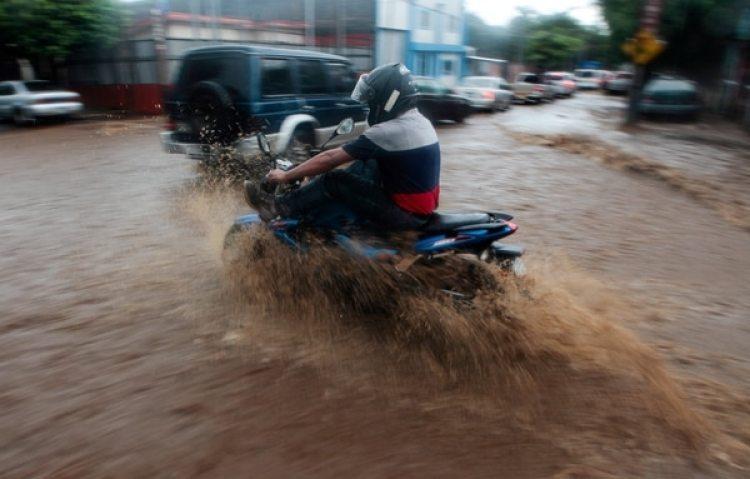 Una calle inundada en Managua, Nicaragua (REUTERS/Oswaldo Rivas)