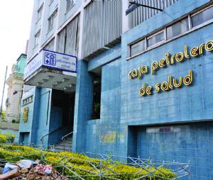 Caja Petrolera adjudicó millonario seguro pese a irregularidades