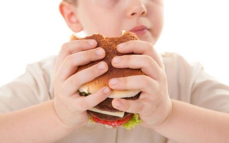 Los nutricionistas aseguran que dar lecciones sobre nociones básicas de alimentos ayudará a los más pequeños a comer de forma más saludable.