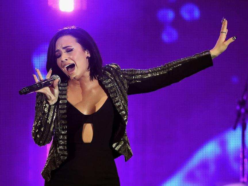 Demi Lovato siguió consumiendo drogas mientras promovía su abstinencia