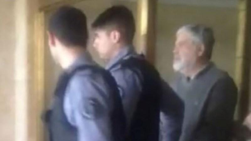 Cómo pasó Julio De Vido su primera noche detenido en Ezeiza