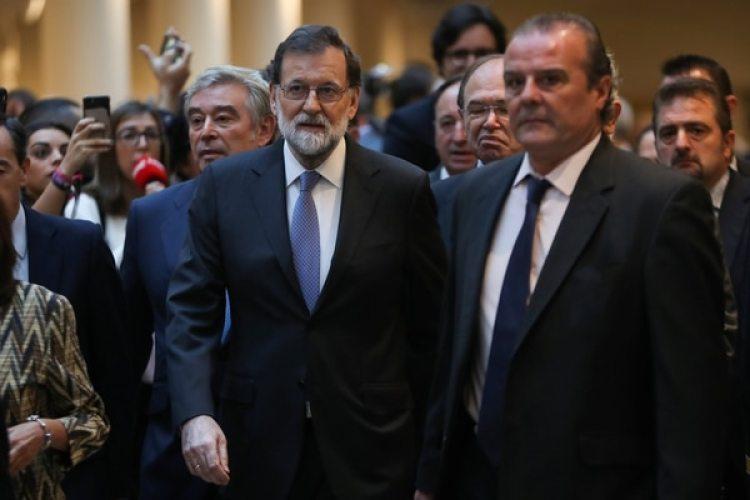La llegada del primer ministro español Mariano Rajoy al Senado (REUTERS/Susana Vera)