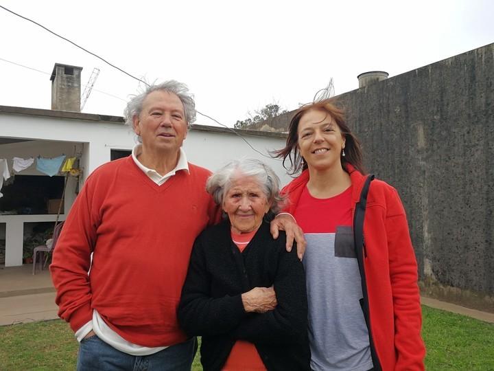 Mundos íntimos. Setenta años después de que mi papá fuera dado en adopción, encontramos y pudimos comprender a mi abuela
