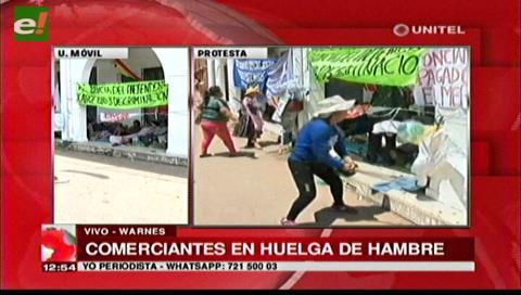 Warnes: Gremiales desalojados en Satélite Norte protestan en las puertas de la Alcaldía