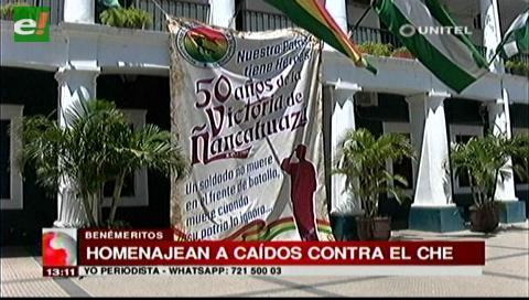 Beneméritos rindieron homenaje a los soldados caídos que combatieron contra el Che Guevara