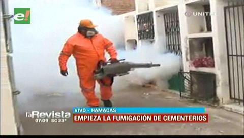 Todos Santos: Alcaldía cruceña inicia limpieza y fumigado de cementerios