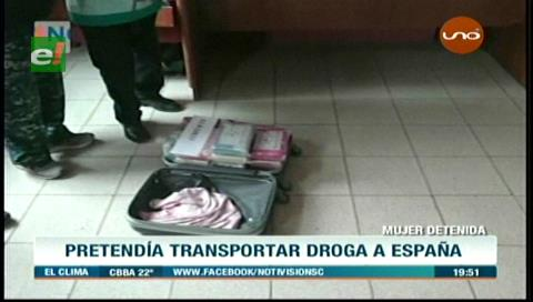 Mujer es detenida en Viru Viru con varios kilos de cocaína en su maleta