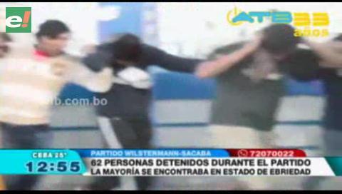 62 personas fueron detenidas en el estadio de Sacaba