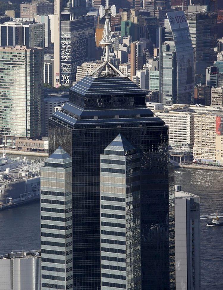 The Center es el quinto rascacielos más alto de Hong Kong