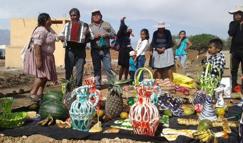 Un grupo musical ameniza la celebración en Cochabamba. Foto: Fernando Cartagena